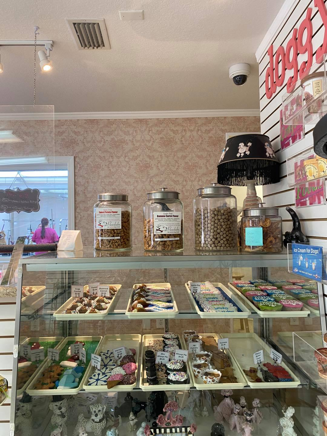 pet bakery, dog birthday cakes and cookies